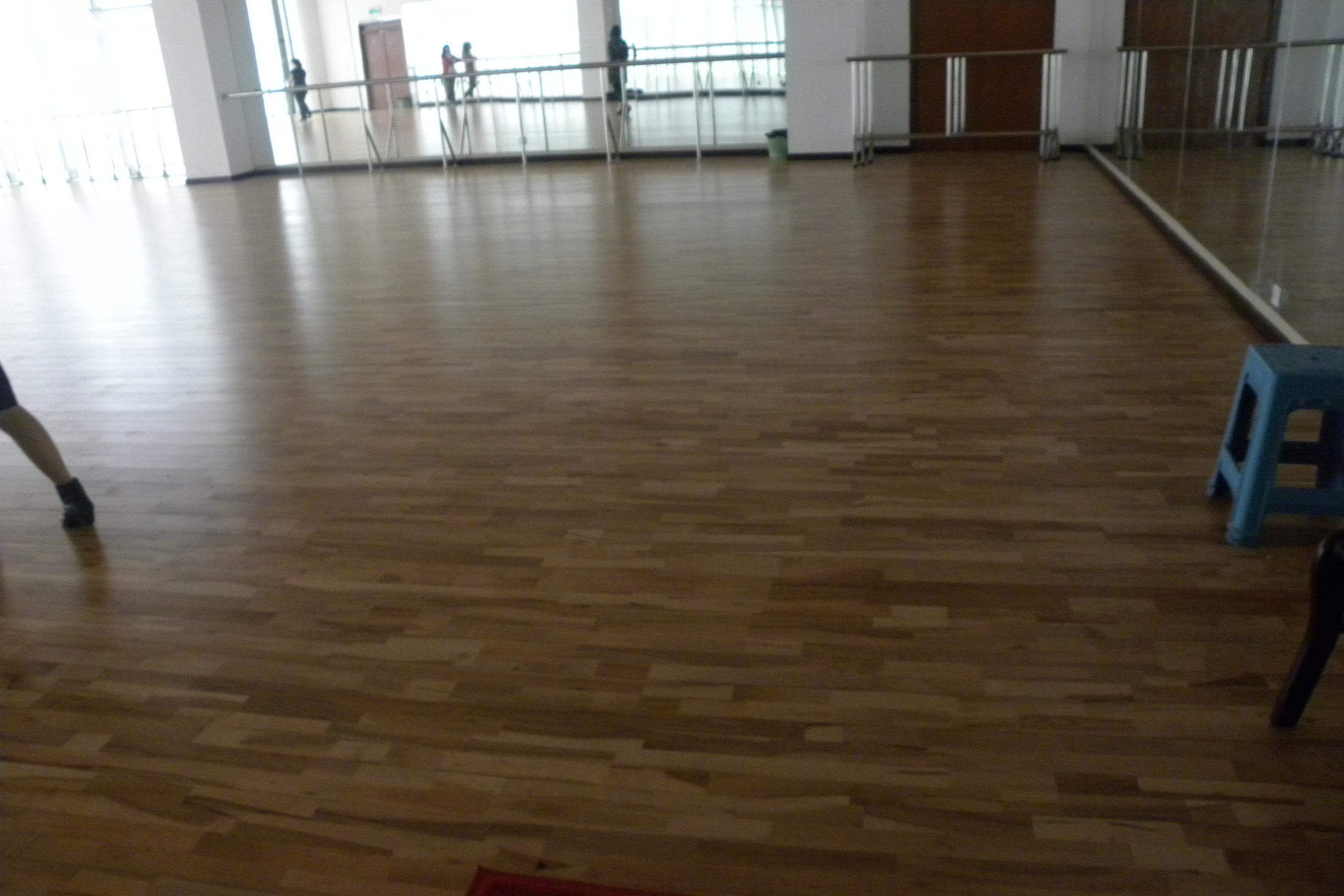西南交通大学运动木地板